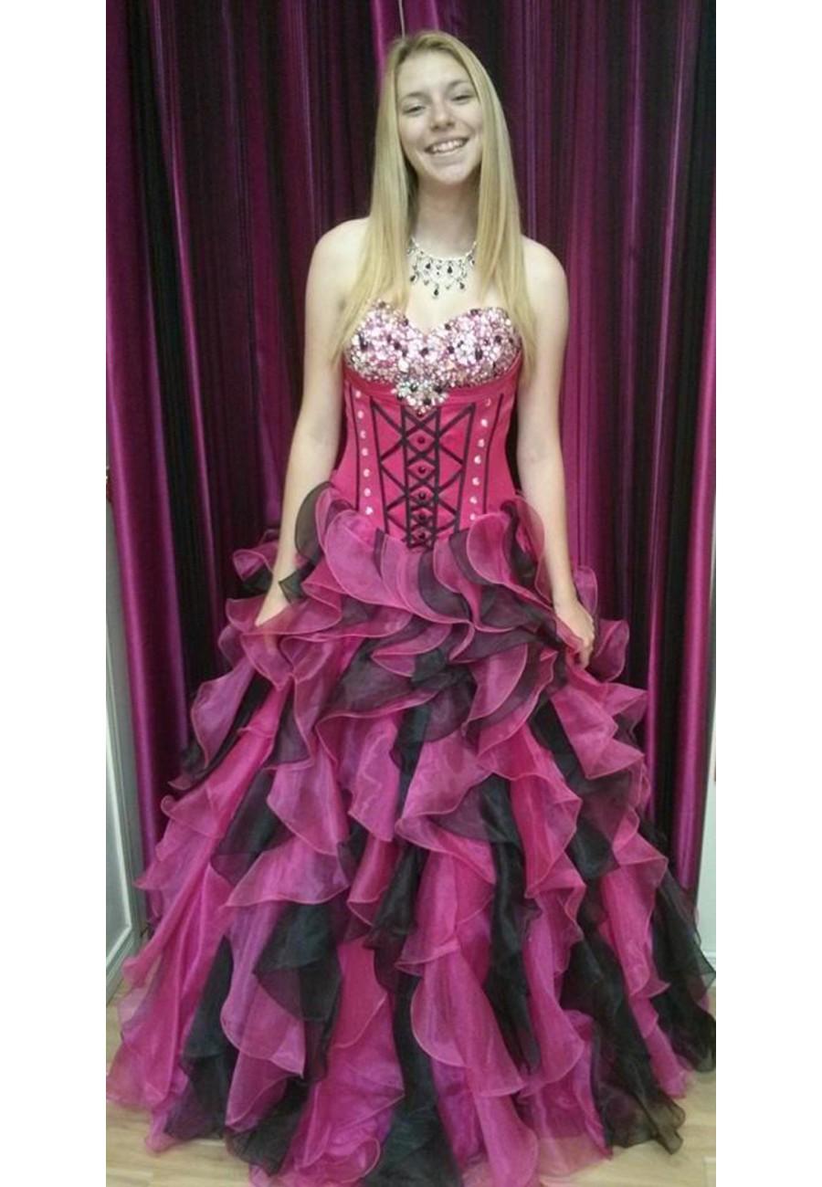 f38fc4cdfa8 Robe de bal funky rose avec bustier corset   crinoline - Boutique ...