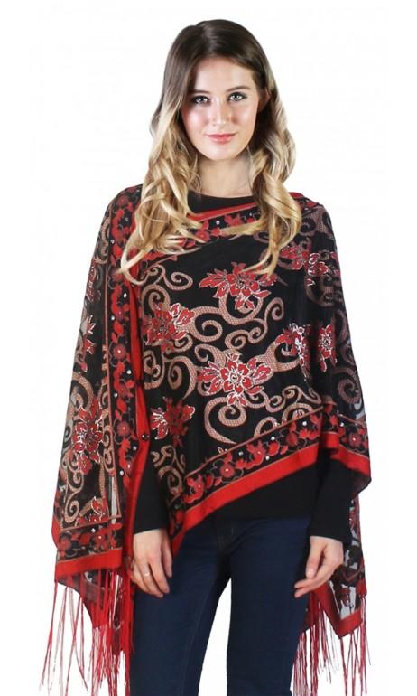 shawl avec accents de rouge et boutons