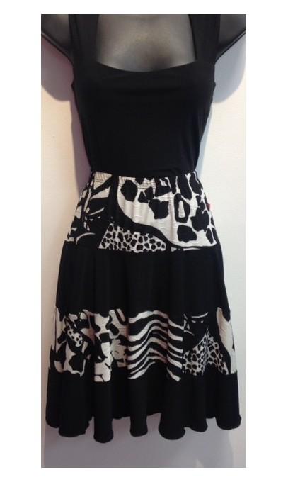 Jupe courte avec frill Noir-Blanc Collection Mode Gitane