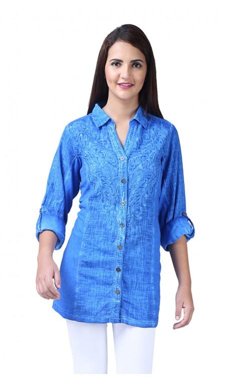 Chemise style jeans bleu avec broderie