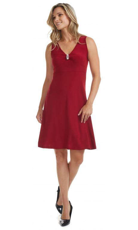 Petite robe rouge broche et col en v modes Gitane
